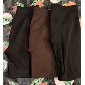 USED LEGGINGS SIZE LRG/XL FIT 16 MAKE AN OFFER